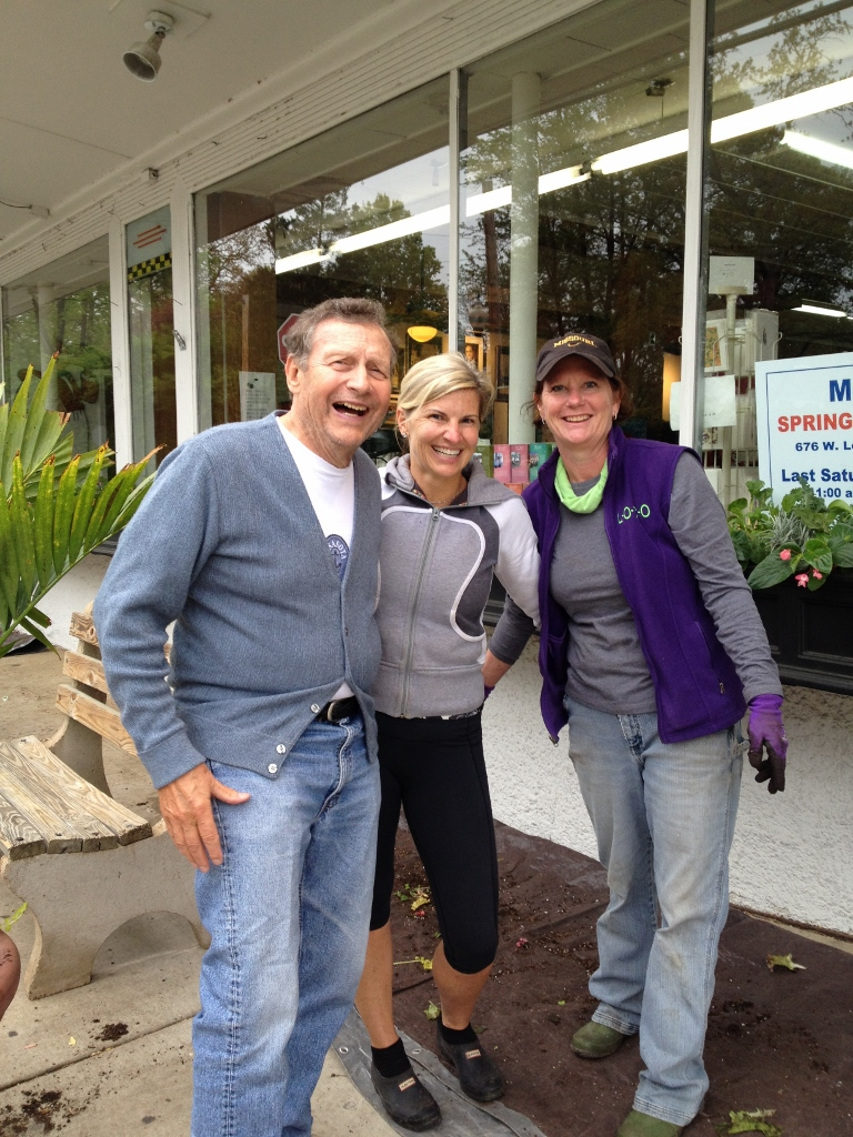 Grow Glendale Gorgeous mastermind, Julie Grimm, with a happy business owner (left) and a planting volunteer (right).